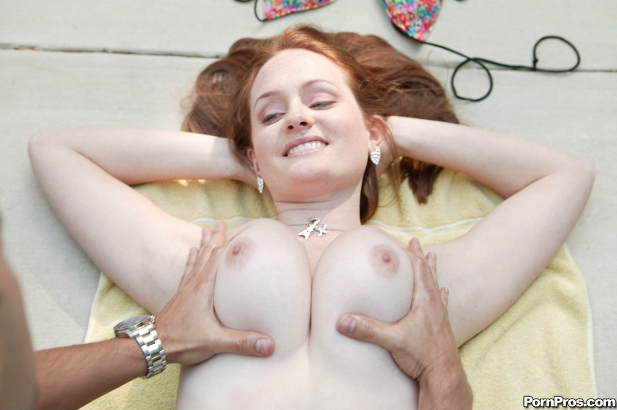 Galleries redhead busty naked