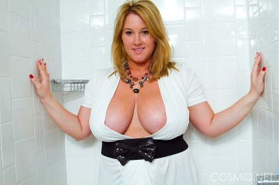 cosmid-brooke-max-wet-tits0_big