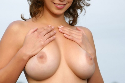 metart-veronika-tan-lines0_big