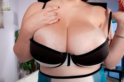 Alana Lace's tits are too big for her bra