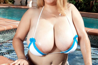 Liza Biggs and her huge 36JJJ tits