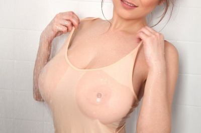 Tessa Fowler's big wet titties
