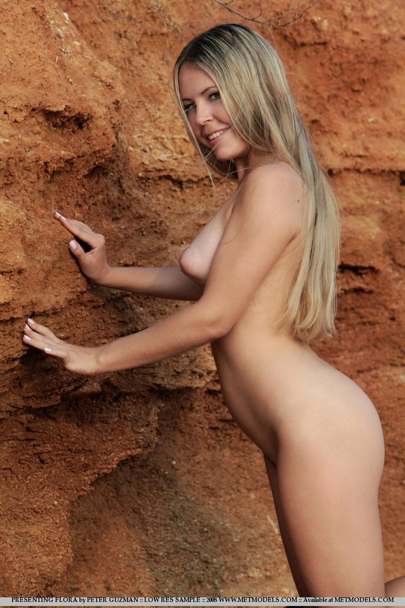 Victoria beckham paparazzi topless