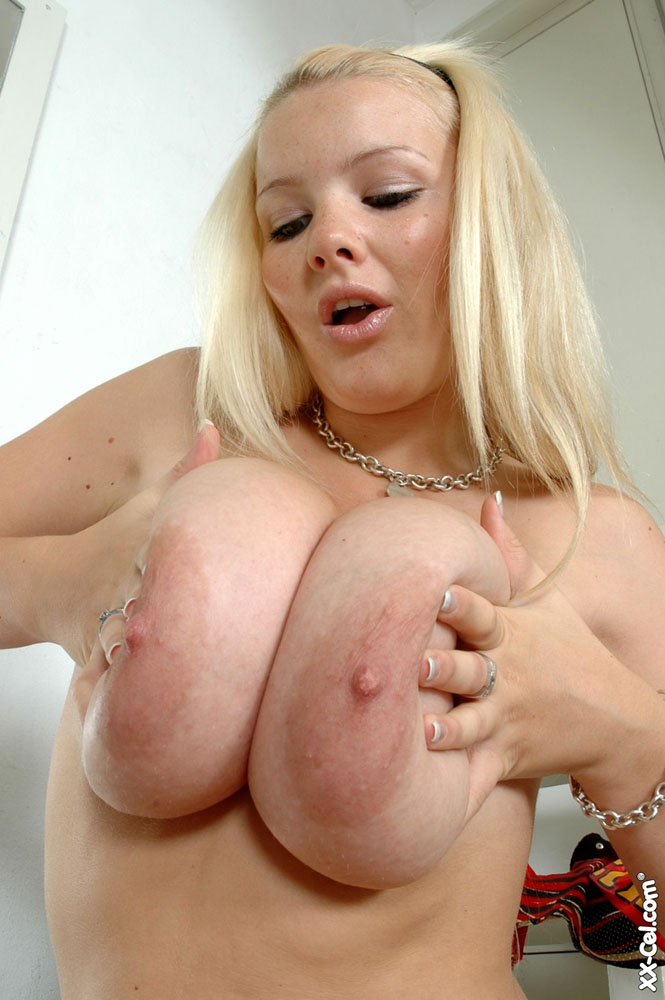 Your big bbw xx girl hot pose attentively would